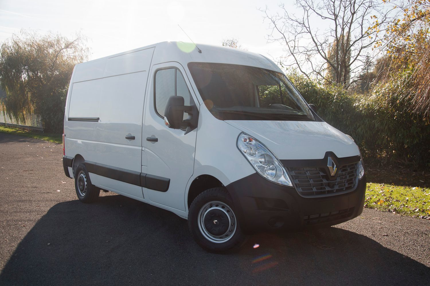 renault master l2h2 2 3 dci 125 ch grand confort occasion 2016 diesel 24600 commoy. Black Bedroom Furniture Sets. Home Design Ideas