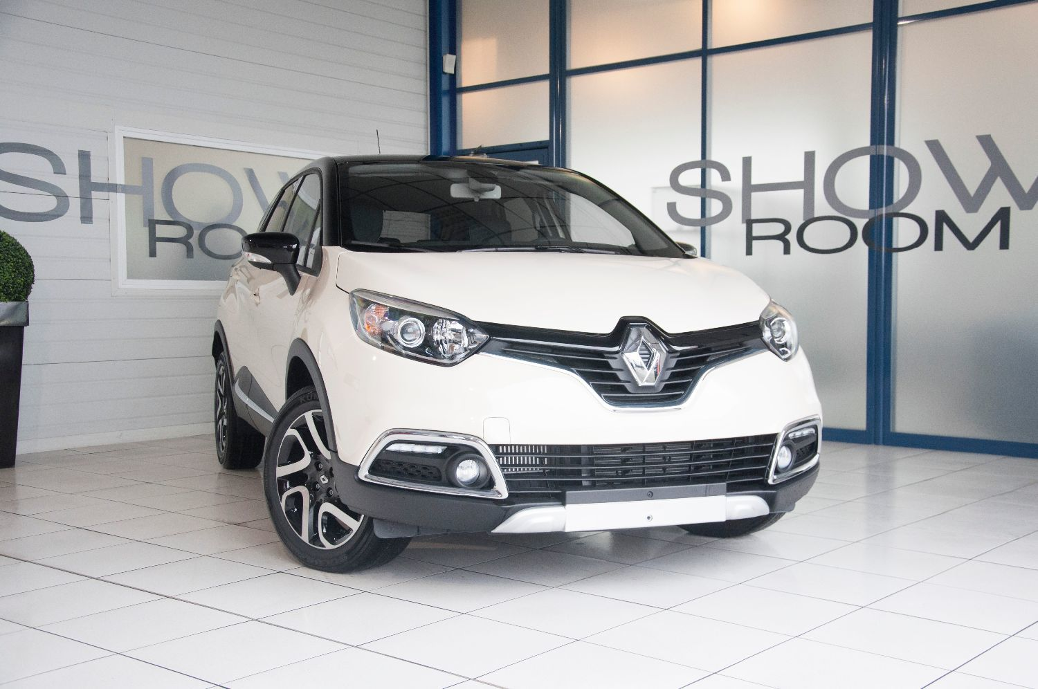 voiture renault captur 1 2 tce 120 ch intens energy edc occasion essence 2016 20 km. Black Bedroom Furniture Sets. Home Design Ideas