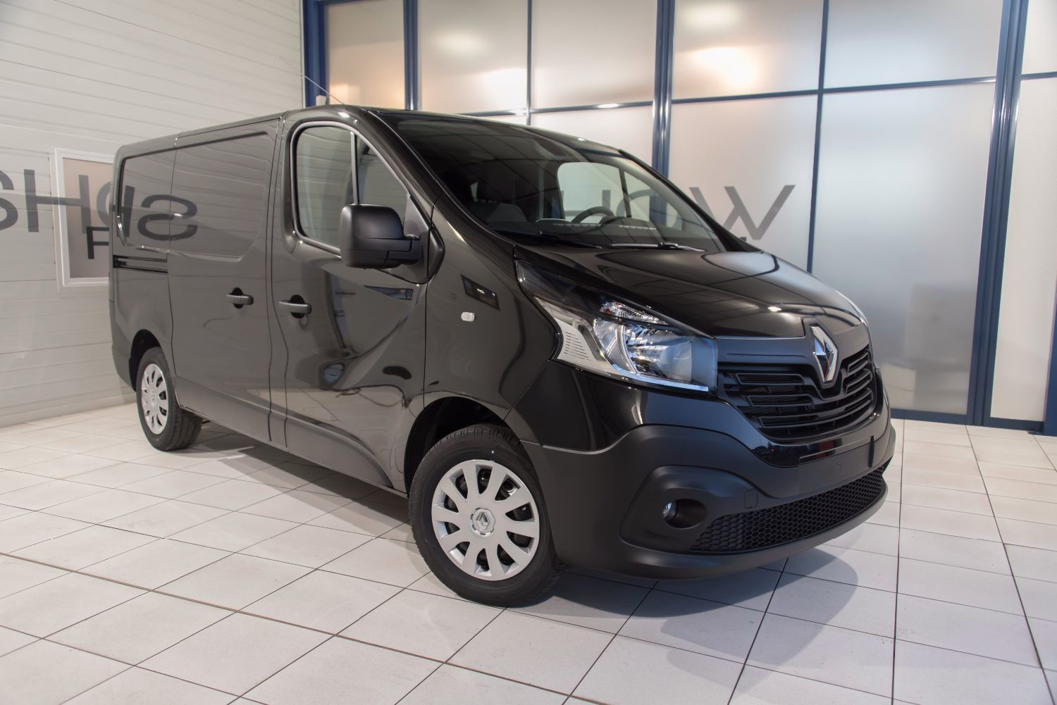 cote auto gratuite renault trafic phc 2 0 dci 115 l2h1 1200 kg confort 2012 7 cv 30104163. Black Bedroom Furniture Sets. Home Design Ideas